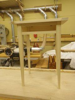 サイドテーブル組み立て1.jpg